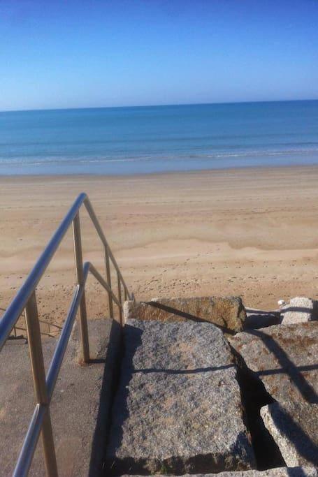 Très grande plage de sable fin 600m de la maison