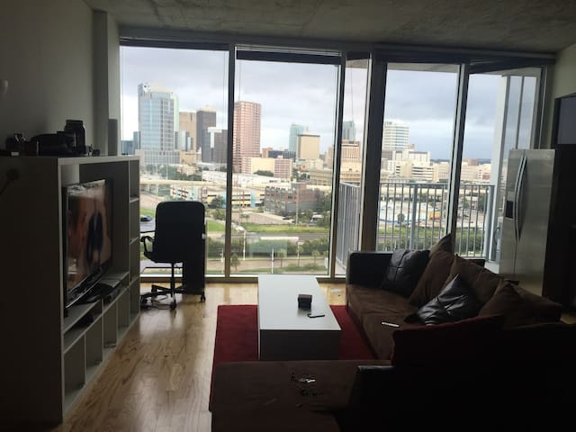 luxurious huge studio with a view - 坦帕 - 公寓