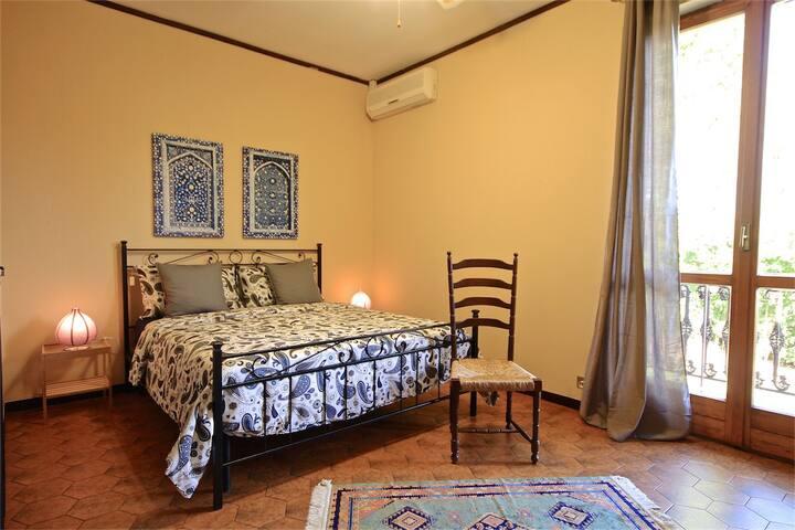 Camera 5 di 5 della casa vacanza a Brusimpiano