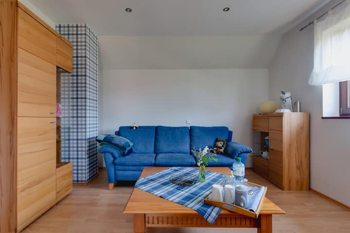 """Schönes """"blaues"""" Zimmer im Grünen"""
