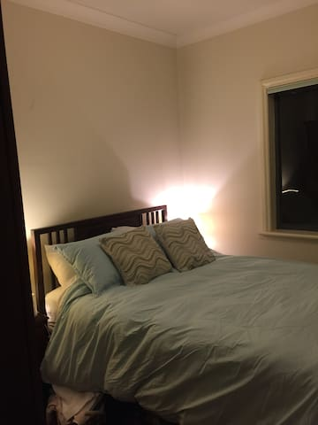 Close to Everything, guest room in Torrens Park - Torrens Park - Casa