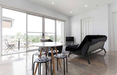 Luxurious Granny Flat. Bella Vista