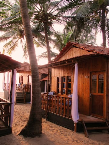 Comfort Beachhuts Balcony & part. Seaview, Agonda
