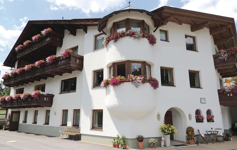Holiday apartment with 2 bedrooms on 47m² in St. Anton