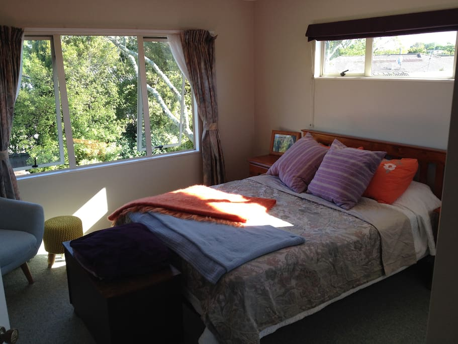 Sunny Peaceful House Breakfast Houses For Rent In Hamilton Waikato New Zealand