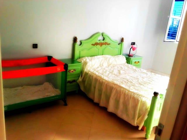 Chambre à coucher pour parents