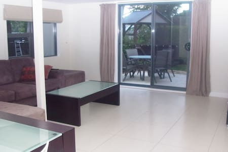 3 Bed  duplex quiet secluded place - Bayview - Lain-lain