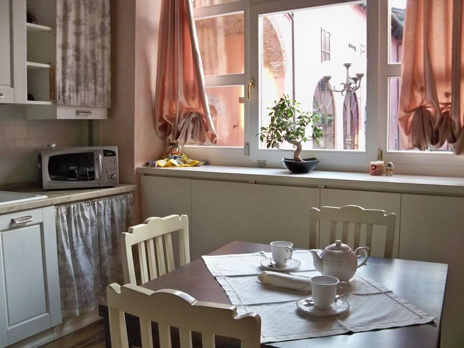 Comodo appartamento vicino al lago appartamenti in for Lago vicino milano