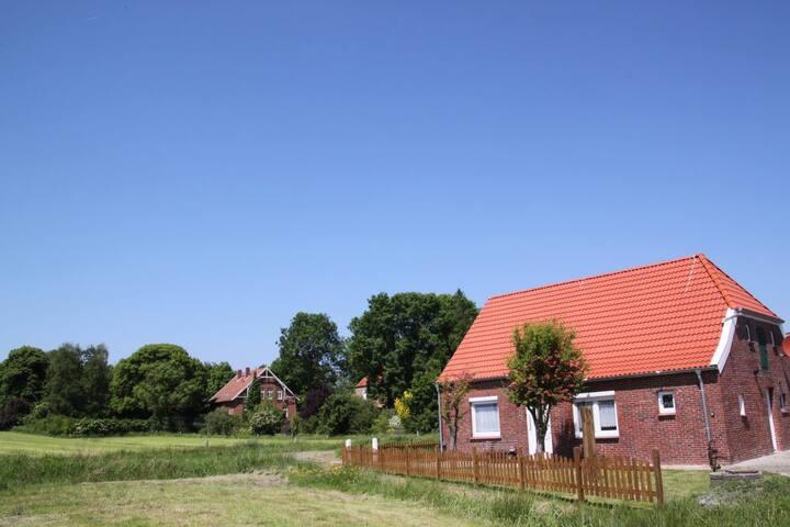 Ferienhaus Resterhafe im Dornumerland mit WLAN