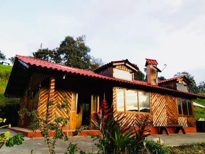 CASA LA KOCHA Cabin/Hostal. Laguna de la Cocha