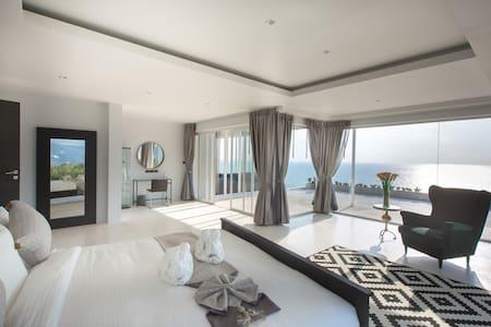 Villa Thalassa Sunrise Seaview 5BR 日出海景别墅