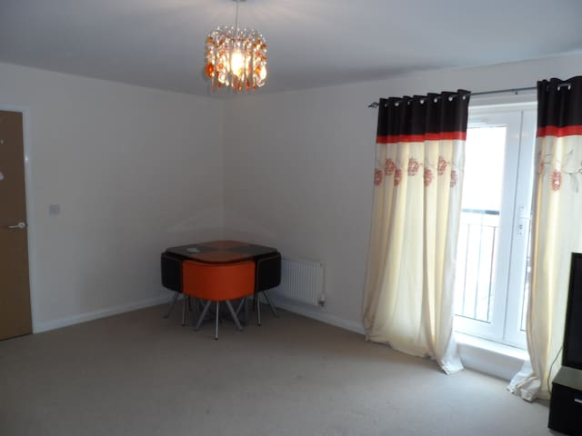 I single room for professionals in MK area