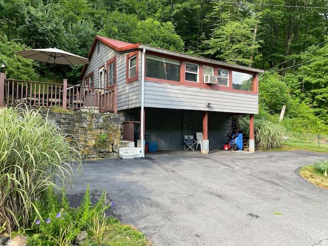Cozy Cabin on Spring Creek