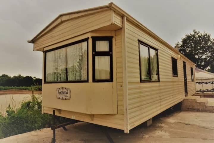 Lakeside  Caravan at Willows Fish Farm