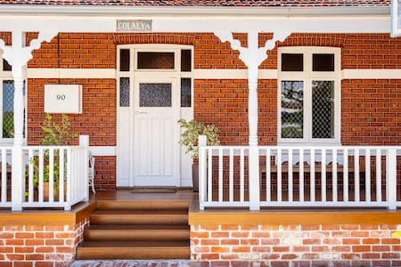 Outdoor Oasis with Views-Walk to Freo,Beach &Cafes