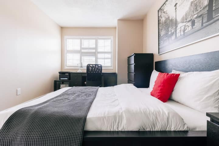 Executive Suite Mississauga WIFI+YYZ