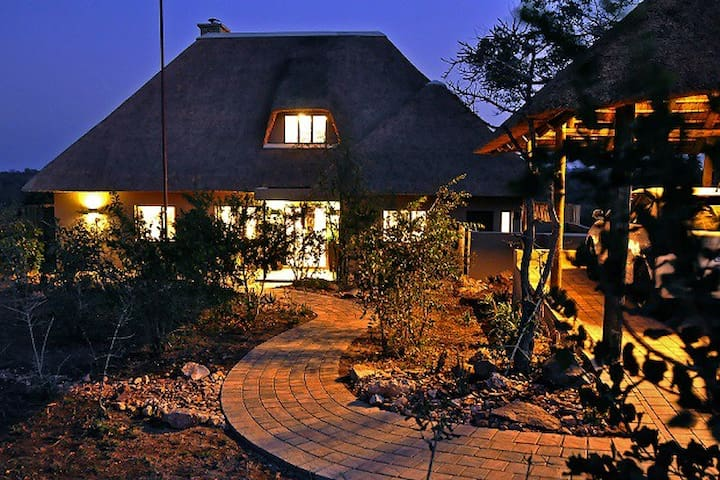 Elephant Point - Nyarhi Lodge