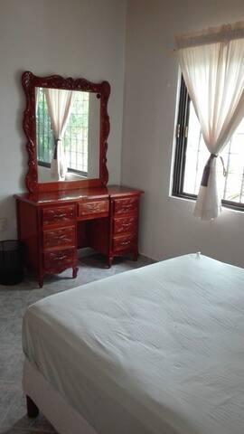 Habitación privada súper céntrica y cómoda.
