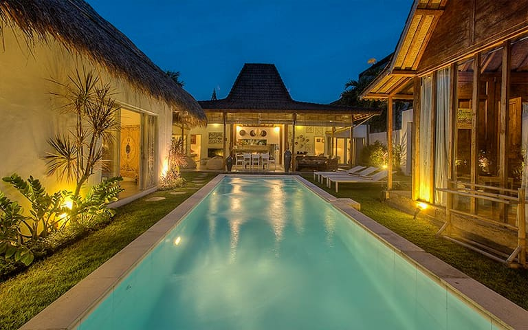 #D3 Beach 10mn walk Oberoi Central Seminyak Villa