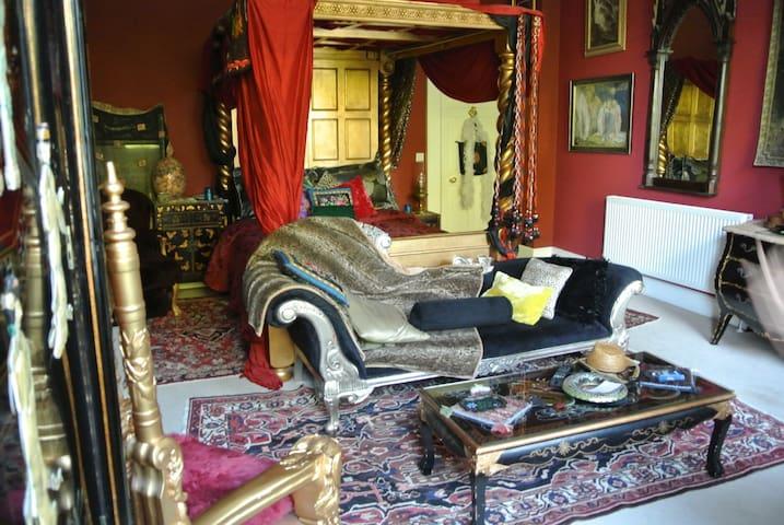 The Covenstead - Gold - Glastonbury - Bed & Breakfast