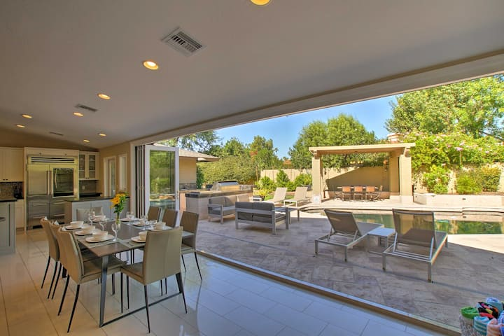 Bright Scottsdale Home - Lounge & Cook Poolside!