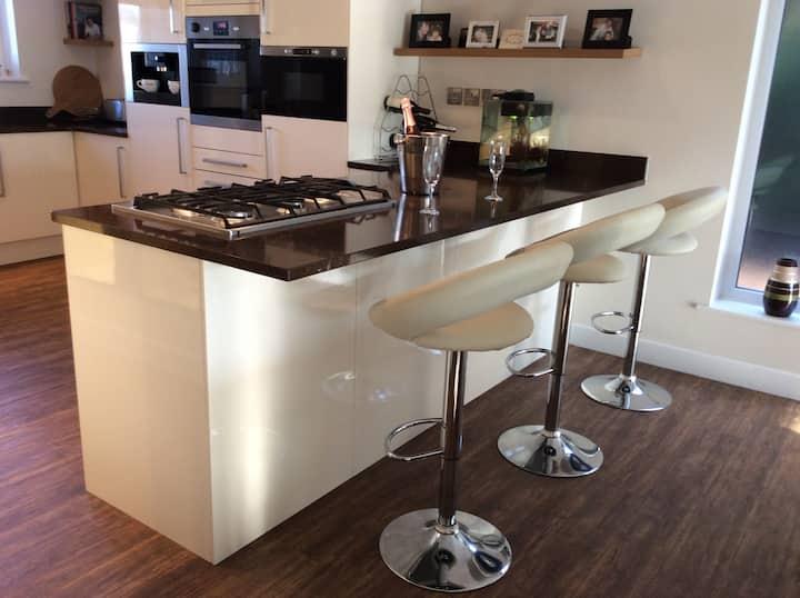 Modern open-plan living! Central Northwest England