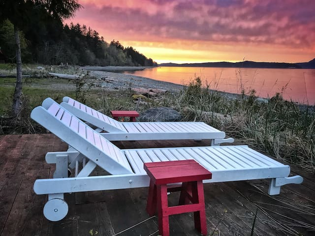 Charming Waterfront Suite, Bowser BC