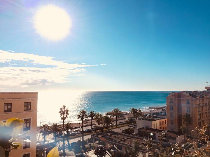 Appartement et grande terrasse vue mer
