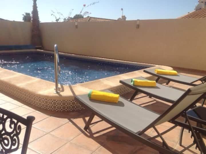 Stunning 2 Bed 2 Bath Villa W/ Private Pool DC034