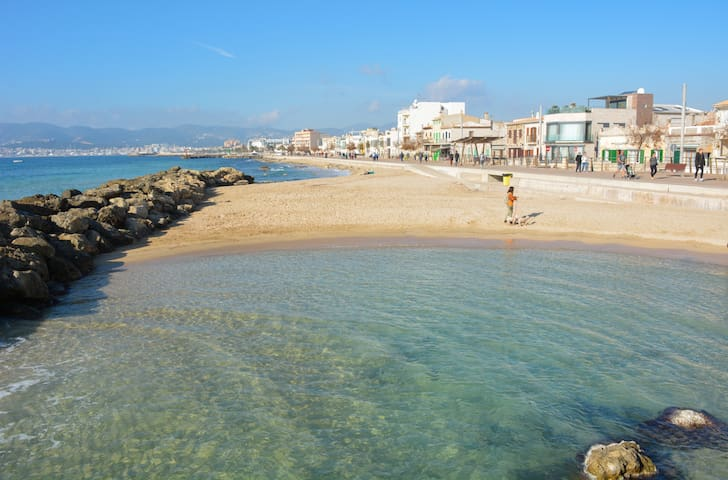 Townhouse 200mts from sea/beach