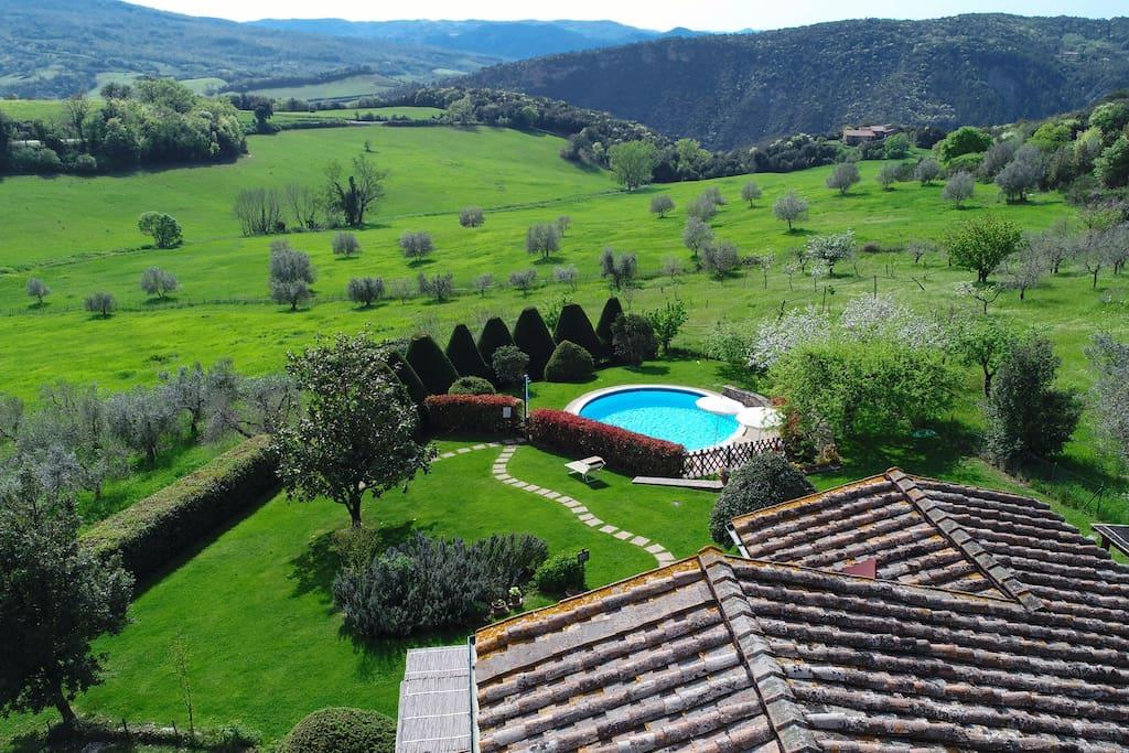 Vista fronta dalla Villa: le colline Toscane