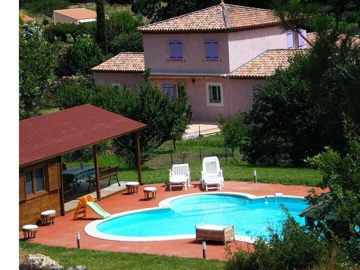 Magnifique villa 11 pers piscine jacuzzi, Provence