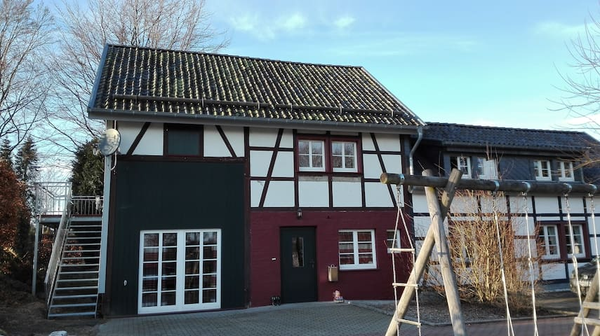 Altes Bauernhaus am Vennbandradweg, Heustall