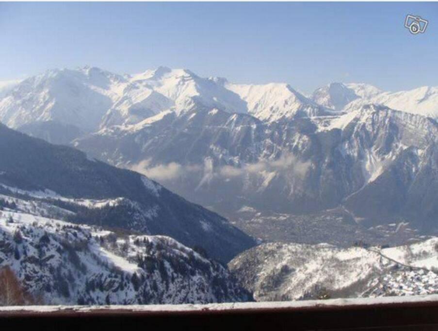 Vue magnifique sur la vallée, plein sud