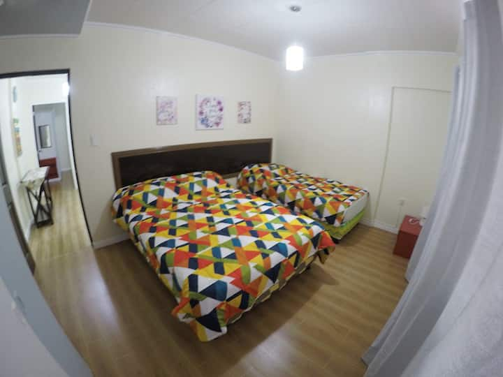 Gabby's Place, 3BR / 7-8pax nr Ceres & Tagbac term
