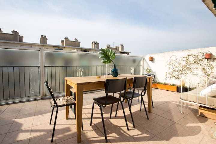 T2 avec terrasse quartier des artistes appartements for T2 marseille terrasse