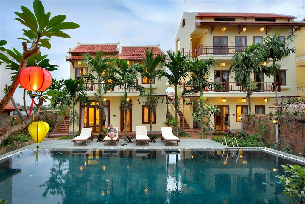 Outdoor pool Villa Orchid Garden Riverside