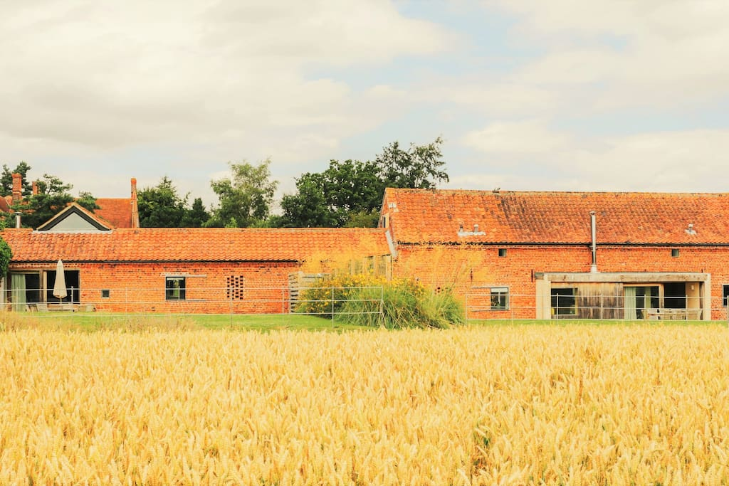 Hall Barn (R) and Quaker Barn (L) can also be rented together to sleep up to 17 guests