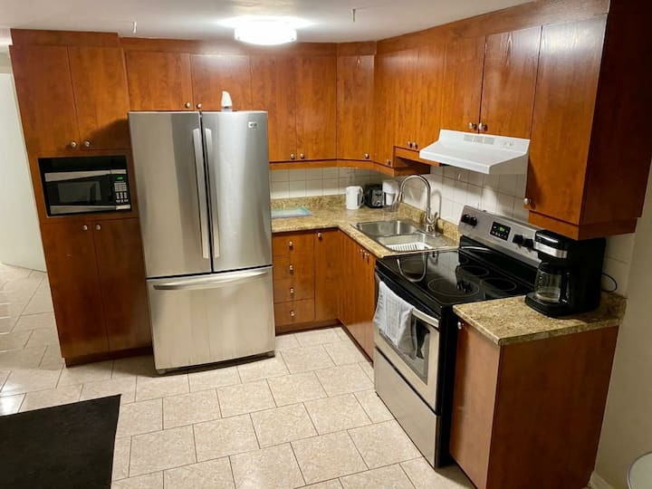 Entire apartement - 15min from downtown Montreal