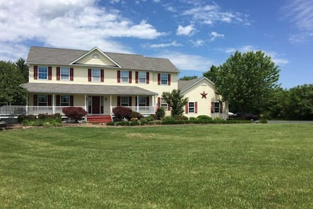 Furnished Farmhouse/Vacation house in NJ - 富雷明顿(Flemington) - 独立屋