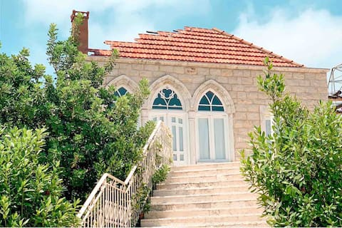 Beautiful Lebanese House with Terrace& plunge pool