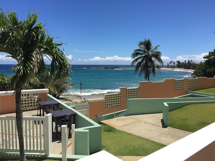 True oceanfront condo, Amazing view!!