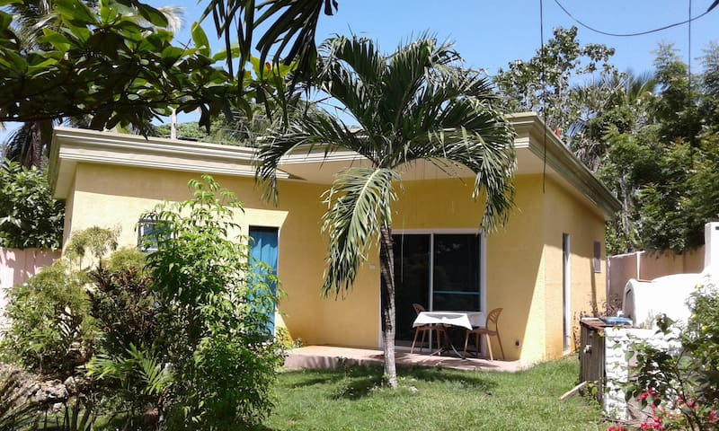 Bungalow with Garden and relaxing - Panglao - Huis