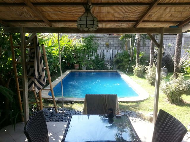 ECHO BEACH/BATU BOLONG BEACH HOUSE - North Kuta - Villa