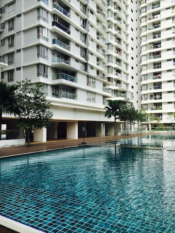 PV2 Spacious Cosy Apartment