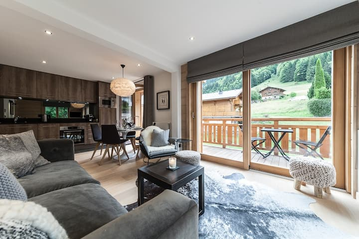 Luxury Scandi Chic Apt in Scenic Old Town Morzine