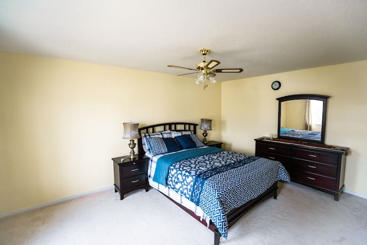 COMFORTABLE, SPACIOUS BEDROOM WITH PRIVATE BATH
