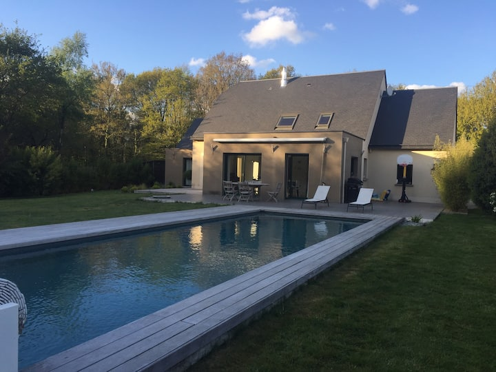 Maison 5 ch 200 m2 piscine 12 m proche DINAN