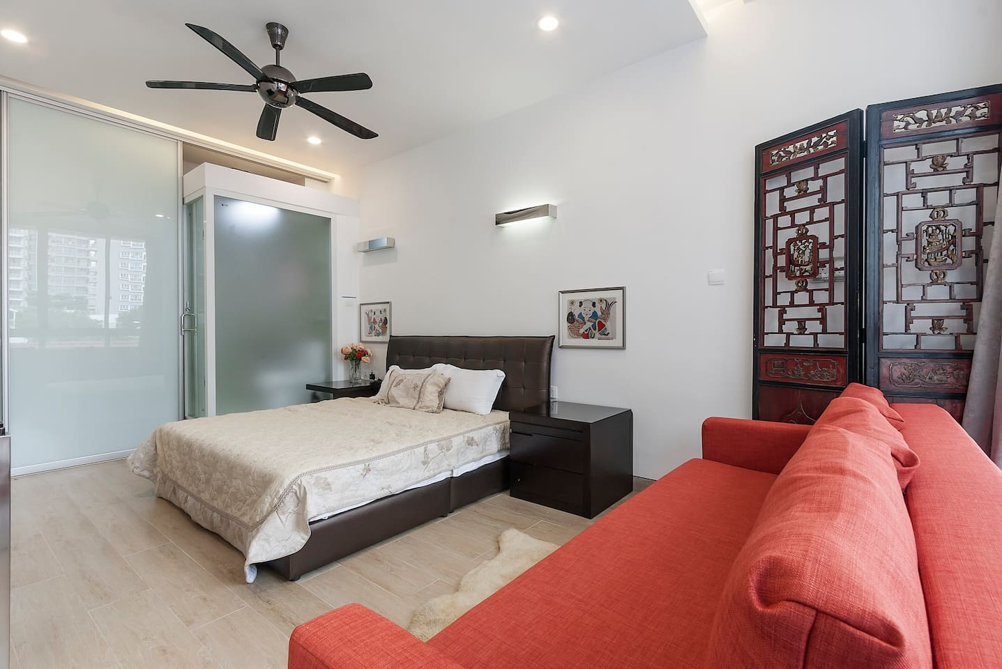 Huge room with double bed and Super king sized sofa bed