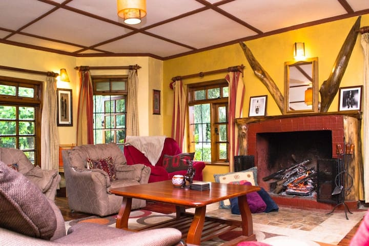 Cozy 5 bedroom rental in the Mount Kenya region